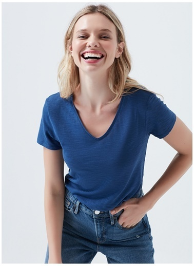 Mavi Tişört Saks